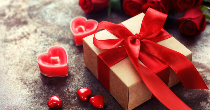 Know Some Excellent Valentine Gifts For Him !!